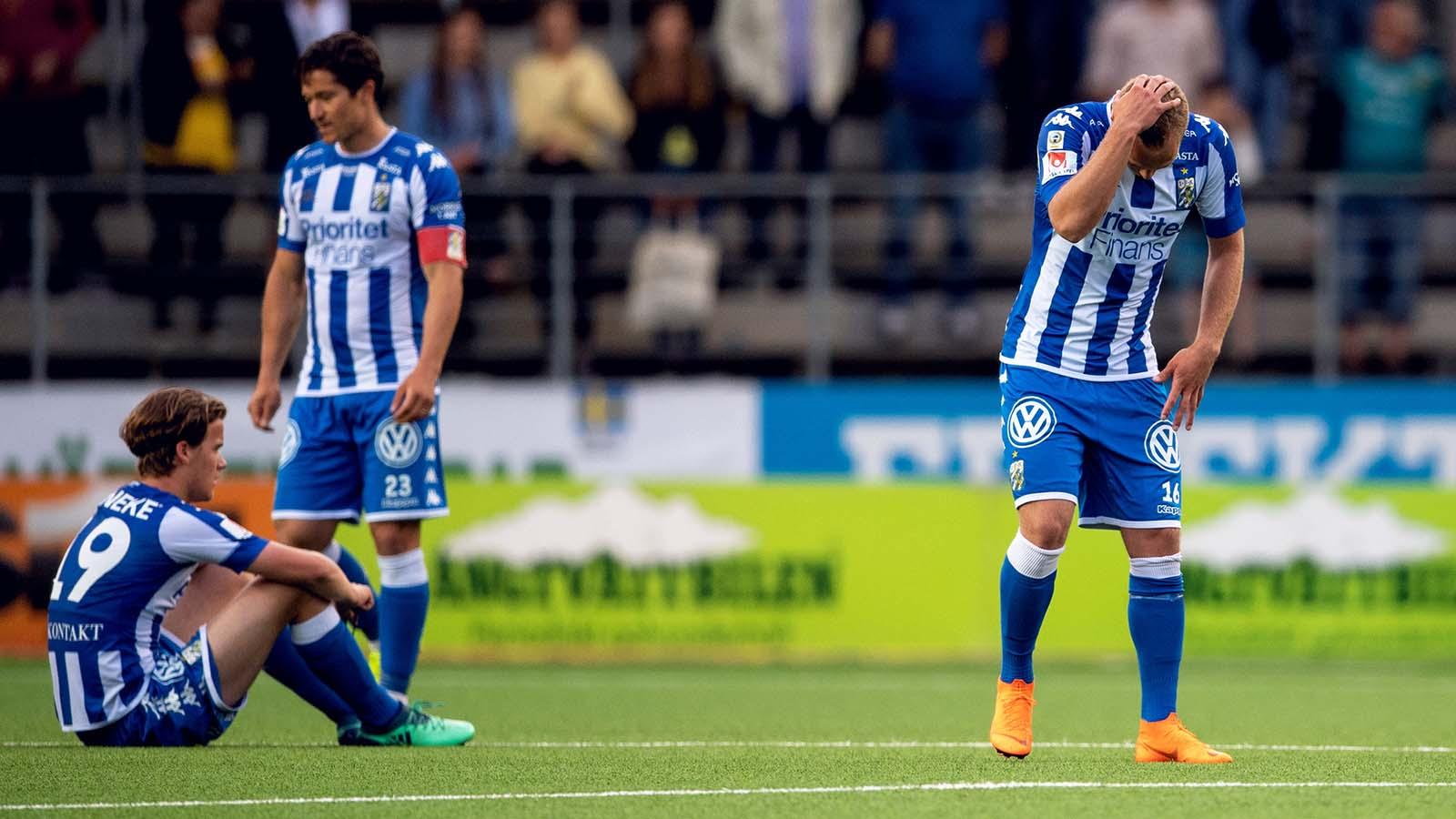 180521 IFK Göteborgs spelare deppar efter fotbollsmatchen i Allsvenskan mellan Elfsborg och IFK Göteborg den 21 maj 2018 i Borås. Foto: Carl Sandin / BILDBYRÅN / kod CS / 57999_353