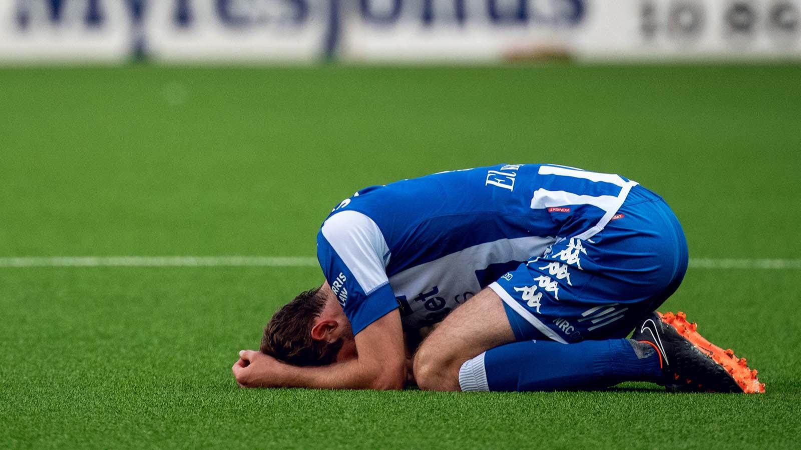 180521 IFK Göteborgs Emil Salomonsson deppar efter fotbollsmatchen i Allsvenskan mellan Elfsborg och IFK Göteborg den 21 maj 2018 i Borås. Foto: Jörgen Jarnberger / BILDBYRÅN / Kod JJ / Cop 112