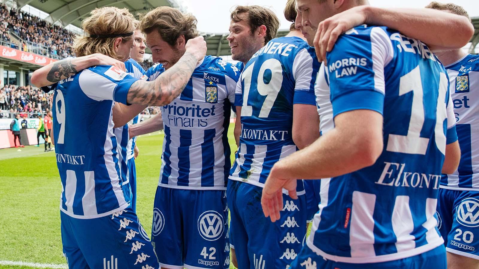 180428 IFK Göteborg firar Elias Mar Omarssons 2-0 mål under fotbollsmatchen i allsvenskan mellan IFK Göteborg och Häcken den 28 april 2018 i Göteborg. Foto: Michael Erichsen / BILDBYRÅN / Cop 89