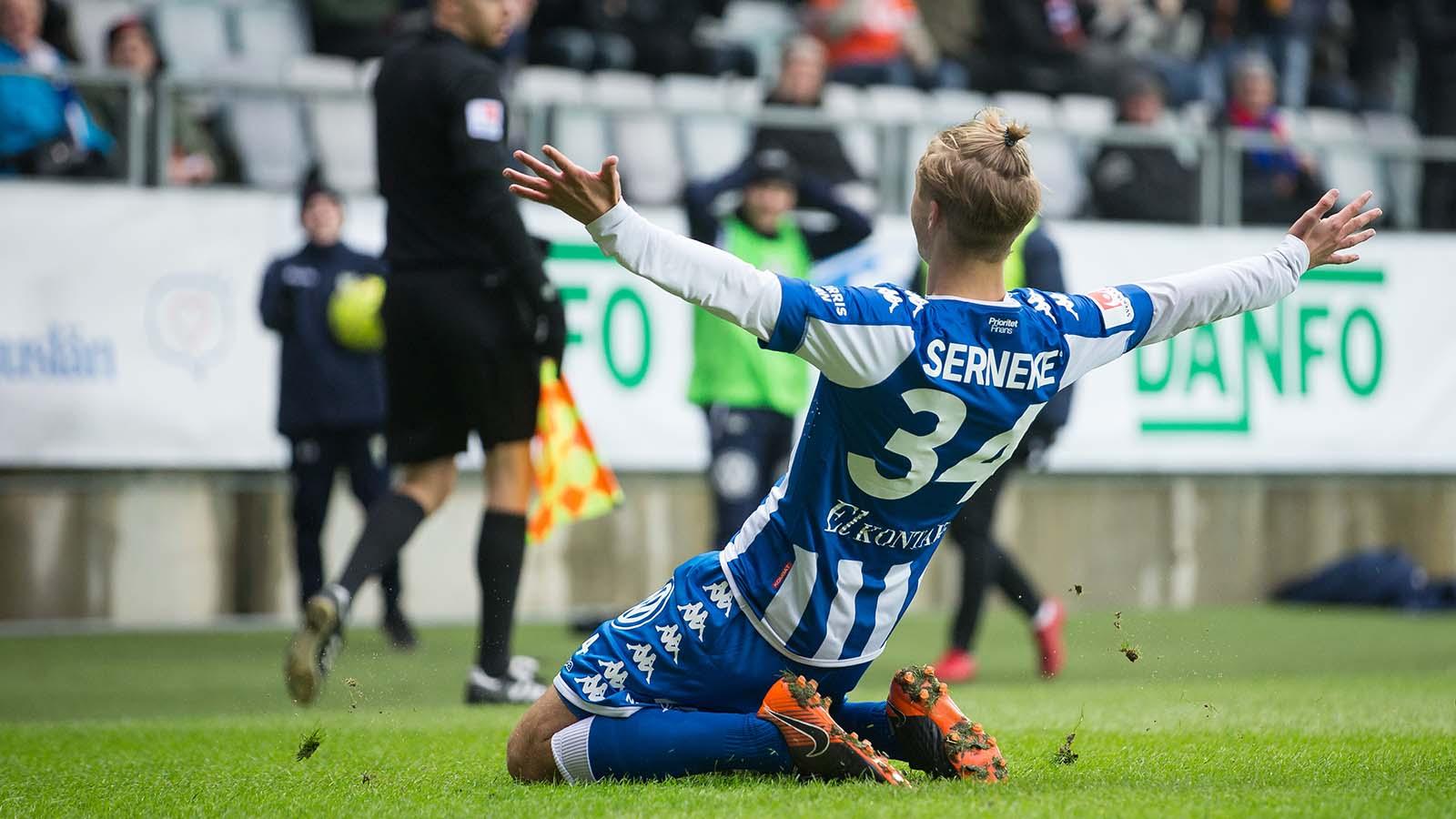180324 IFK Göteborgs Benjamin Nygren jublar efter att ha gjort avgörande 1-0 målet under en träningsmatch i fotboll mellan IFK Göteborg och Örgryte den 24 mars 2018 i Göteborg. Foto: Michael Erichsen / BILDBYRÅN / Cop 89