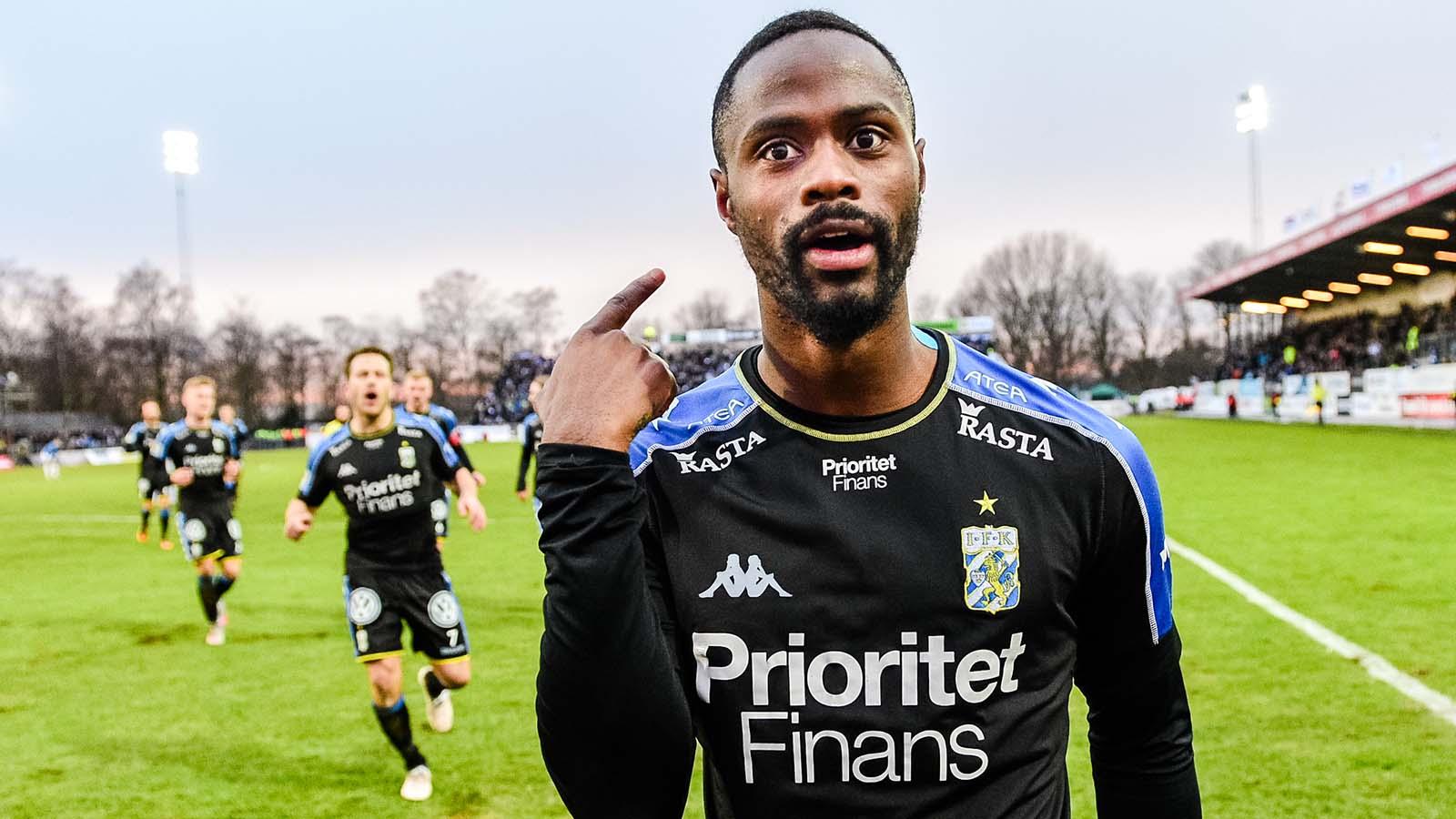 180401 IFK Göteborgs Vajebah Kaliefah Sakor jublar efter 1-3 under fotbollsmatchen i Allsvenskan mellan Trelleborg och IFK Göteborg den 1 april 2018 i Trelleborg. Foto: Ludvig Thunman / BILDBYRÅN / kod LT / 92013