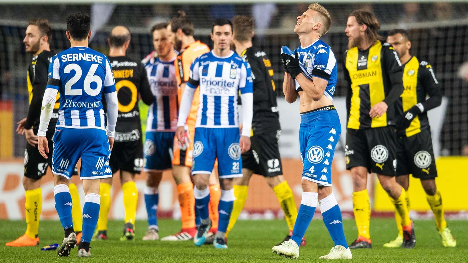 180410 IFK Göteborgs Carl Starfelt deppar efter förlusten i fotbollsmatchen i Allsvenskan mellan IFK Göteborg och Hammarby den 10 april 2018 i Göteborg. Foto: Carl Sandin / BILDBYRÅN / kod CS /