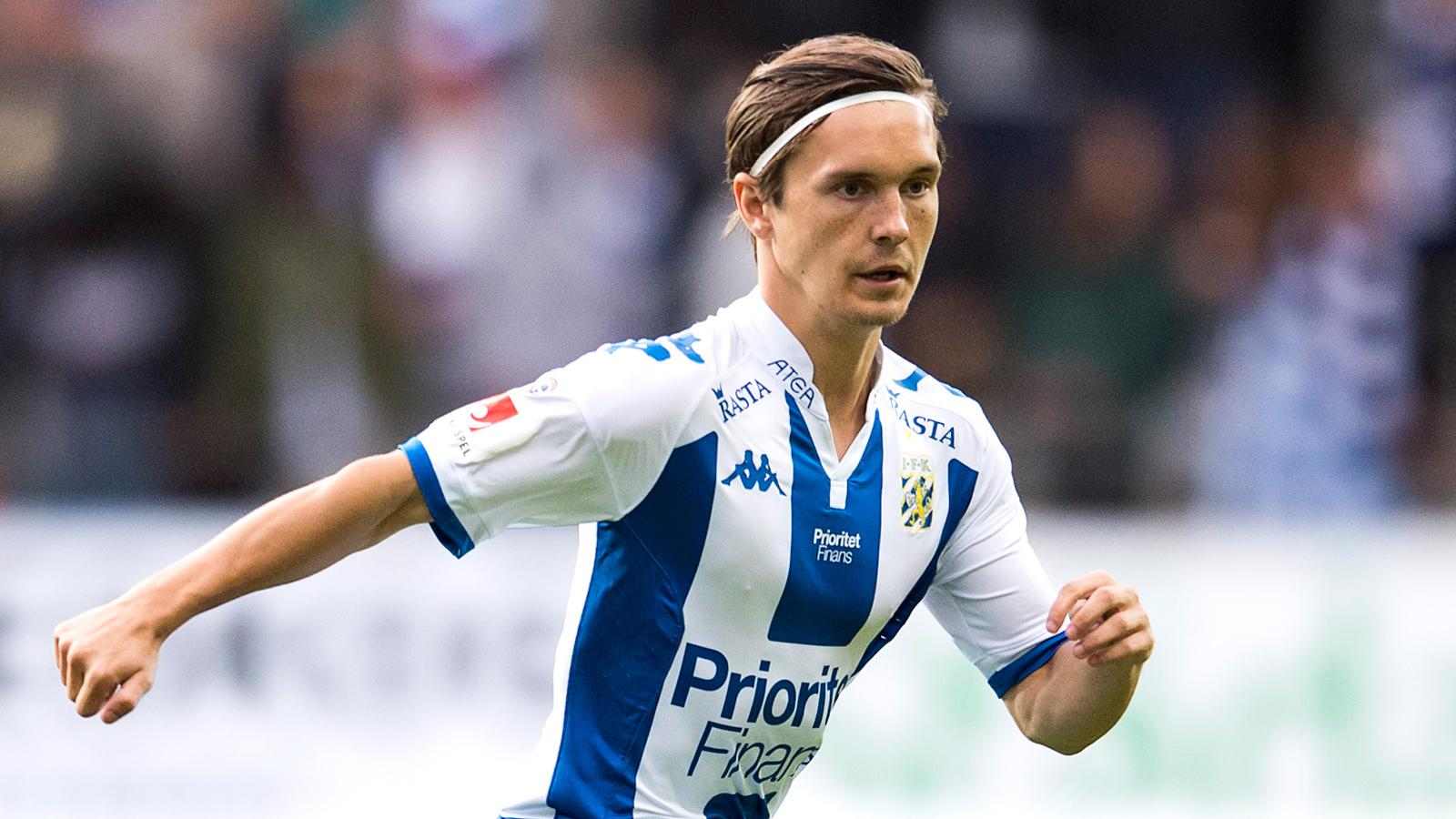 170820 IFK Göteborgs Patrik Karlsson Lagemyr under den allsvenska fotbollsmatchen mellan IFK Göteborg och Häcken den 20 augusti 2017 i Göteborg.