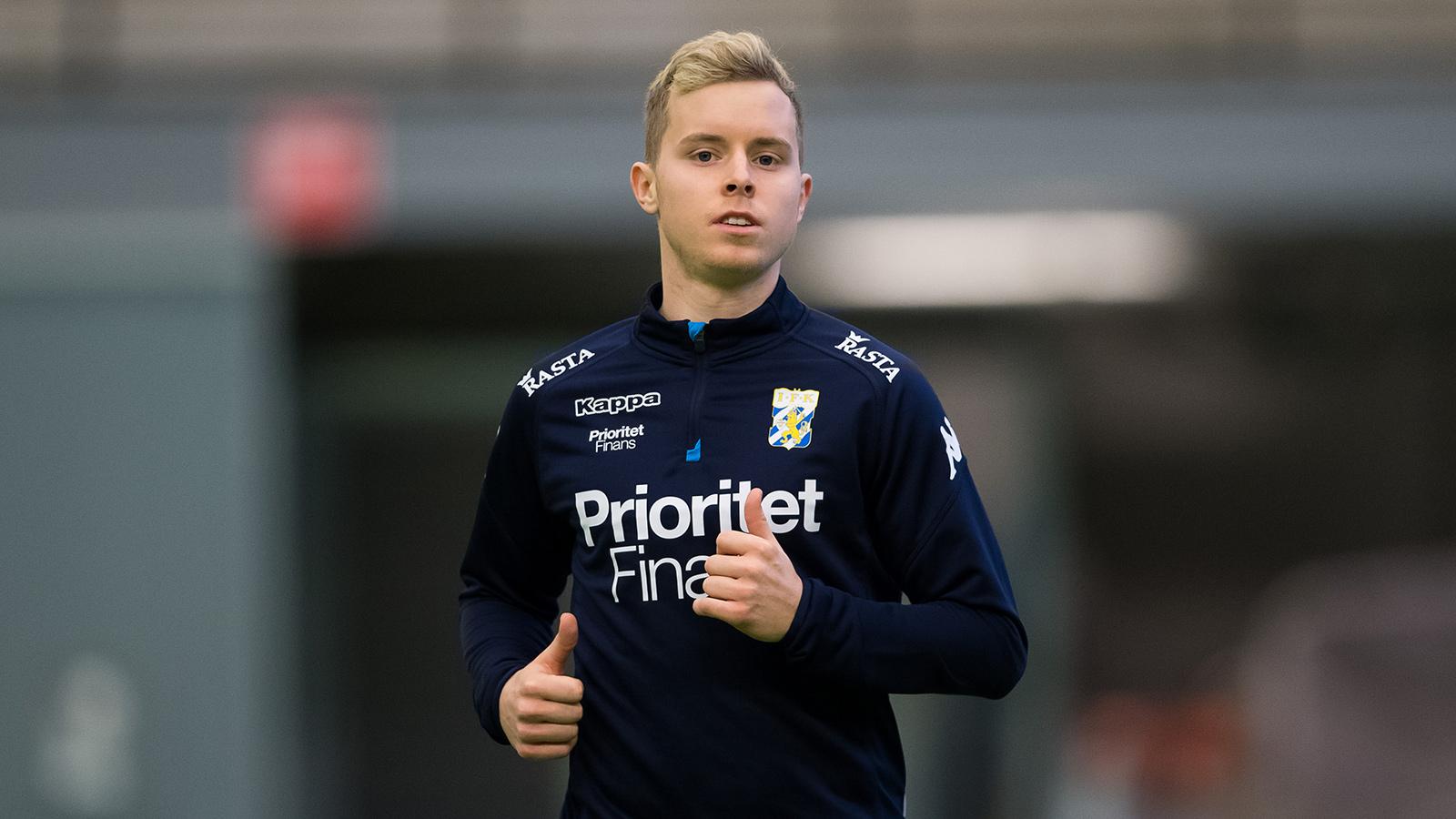 180117 Victor Wernersson under en träning med IFK Göteborg den 17 januari 2018 i Göteborg.