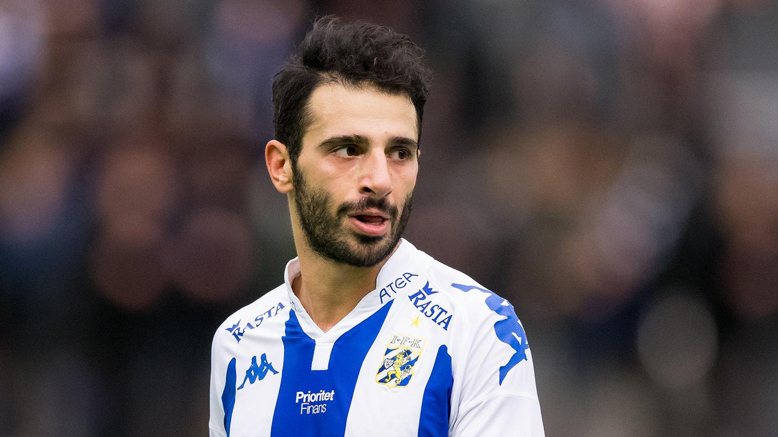 180120 IFK Göteborgs André Calisir under en träningsmatch i fotboll mellan IFK Göteborg och Ålborg den 20 januari 2018 i Göteborg.