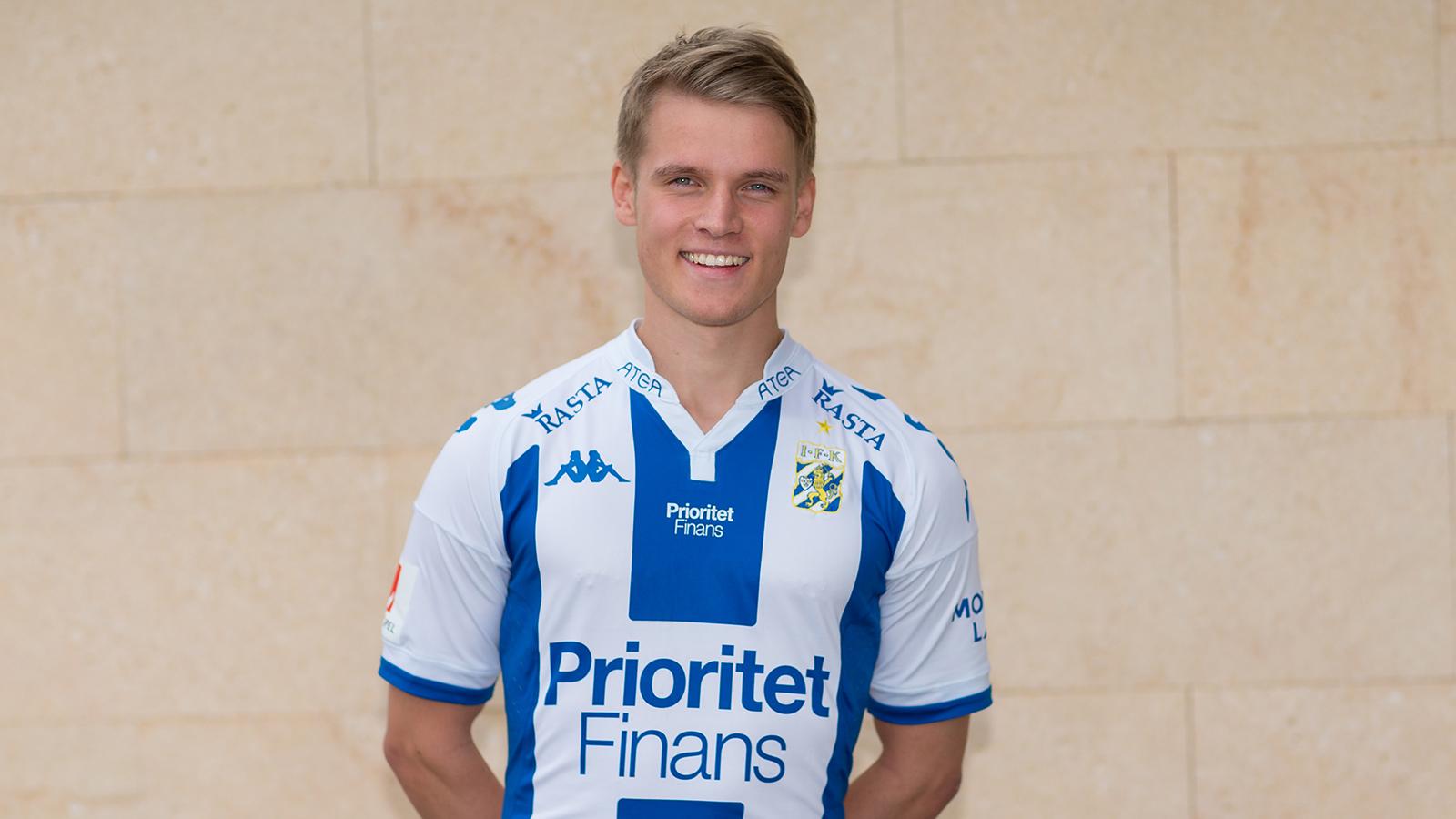 180204 IFK Göteborgs nyförvärv Mikael Ingebrigtsen poserar för ett porträtt den 4 februari 2018 i Pinatar Football Center.