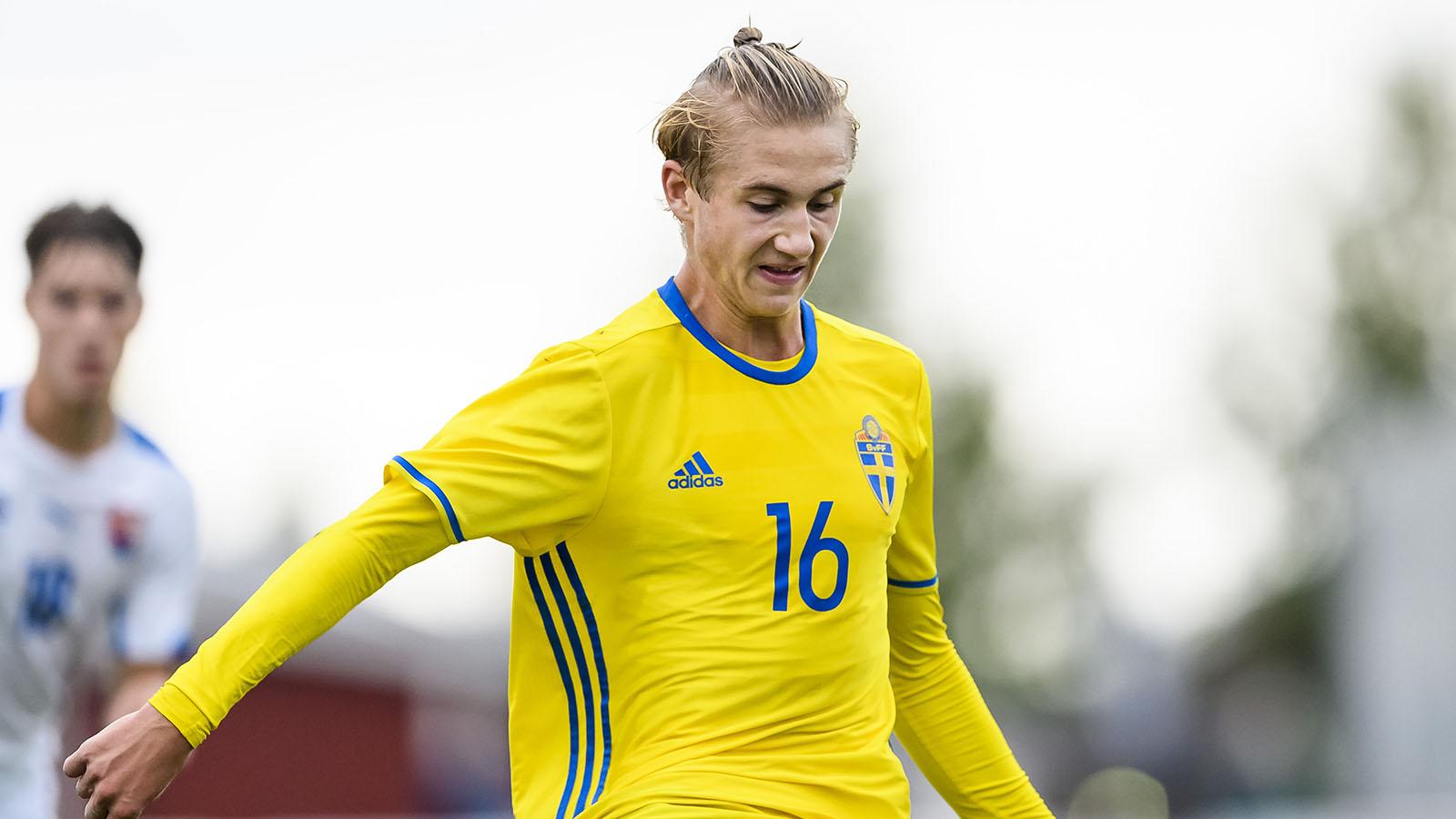 170914 Sveriges Benjamin Nygren under P16 landskampen i fotboll mellan Sverige och Slovakien den 14 september 2017 i Piteå. Foto: Peter Skaugvold / BILDBYRÅN / Cop 116