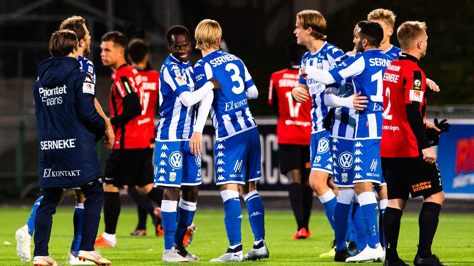 181022 IFK Göteborgs spelare jublar efter fotbollsmatchen i Allsvenskan mellan Brommapojkarna och IFK Göteborg den 22 oktober 2018 i Stockholm. Foto: Simon Hastegård / Bildbyrån / Cop 118