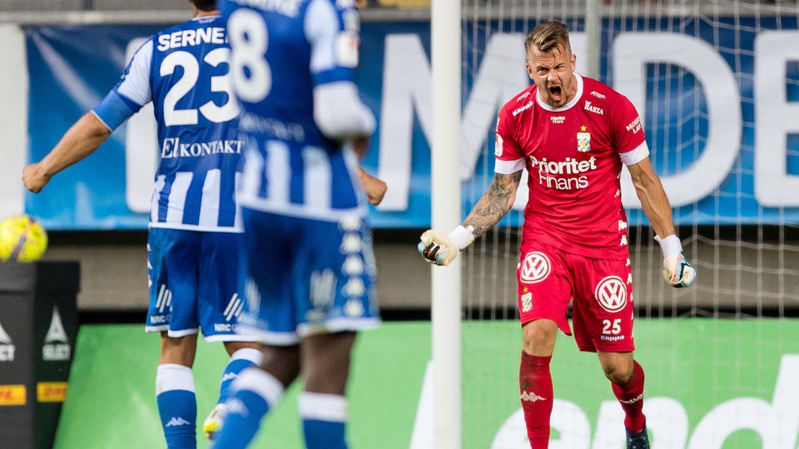 180714 IFK Göteborgs målvakt Erik Dahlin jublar efter fotbollsmatchen i Allsvenskan mellan IFK Göteborg och Örebro den 14 juli 2018 i Göteborg. Foto: Krister Andersson / BILDBYRÅN / Kod KA / Cop 147