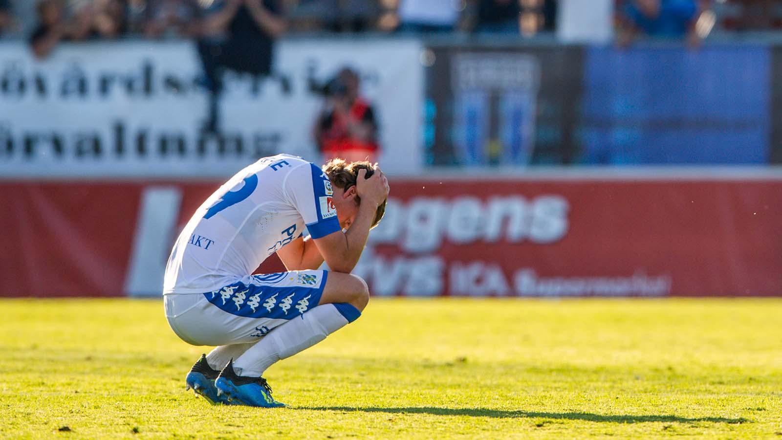 180722 IFK Göteborgs August Erlingmark deppar efter fotbollsmatchen i Allsvenskan mellan Sirius och IFK Göteborg den 22 juli 2018 i Uppsala. Foto: Jonathan Näckstrand / BILDBYRÅN / Cop 94