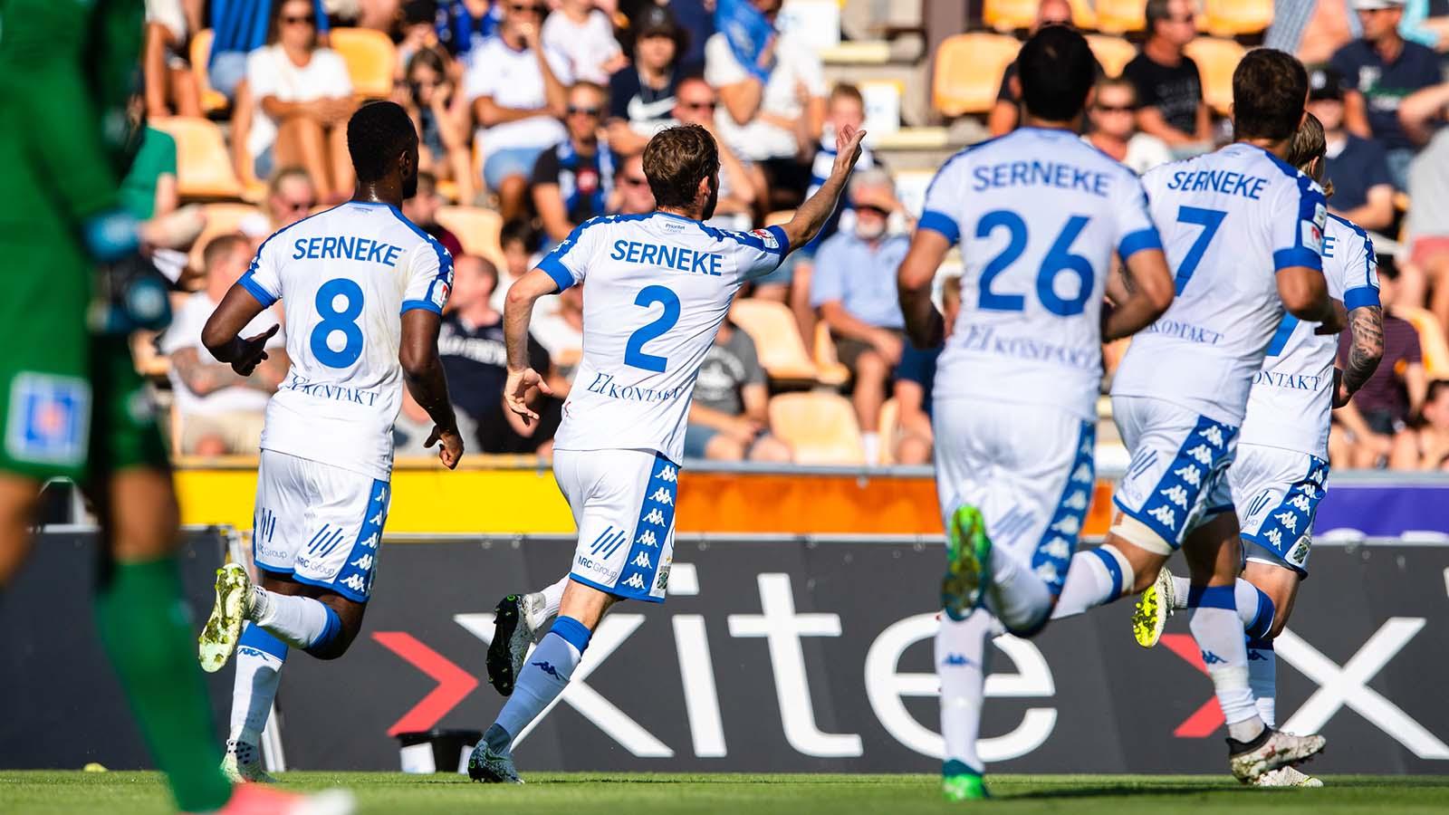 180722 IFK Göteborgs Emil Salomonsson jublar efter 0-1 under fotbollsmatchen i Allsvenskan mellan Sirius och IFK Göteborg den 22 juli 2018 i Uppsala. Foto: Jonathan Näckstrand / BILDBYRÅN / Cop 94