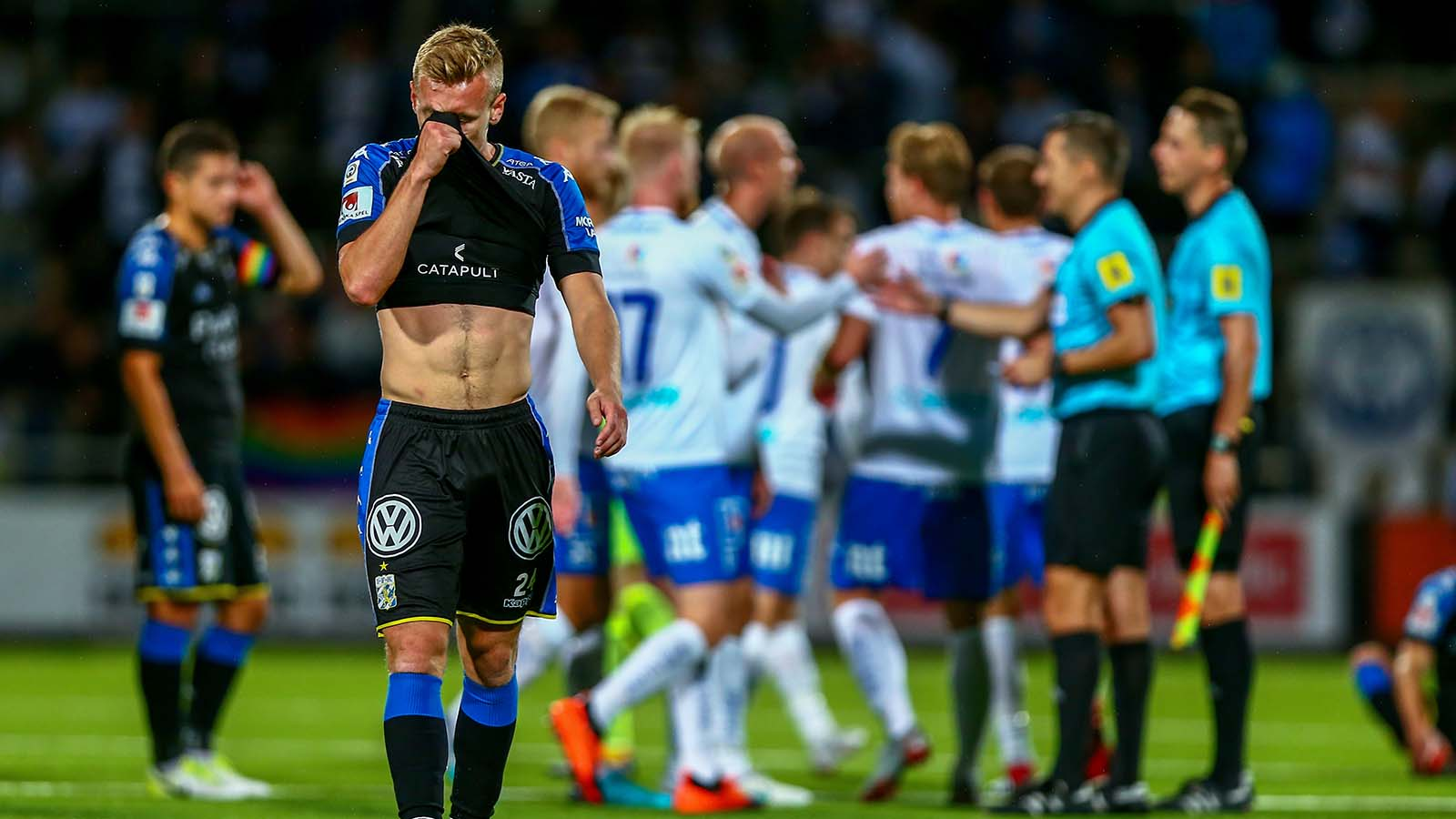 180827 IFK Göteborgs Sebastian Ohlsson deppar efter fotbollsmatchen i Allsvenskan mellan Norrköping och IFK Göteborg den 27 augusti 2018 i Norrköping. Foto: JOSEFINE LOFTENIUS / BILDBYRÅN / Cop 111