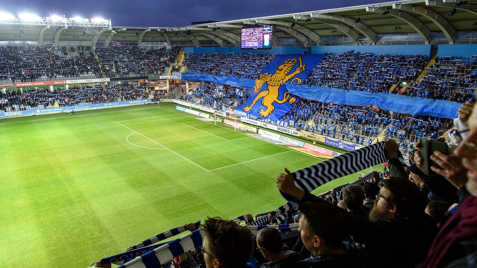 180927 IFK Göteborgs supportrar med tifo innan fotbollsmatchen i Allsvenskan mellan IFK Göteborg och AIK den 27 september 2018 i Göteborg. Foto: Carl Sandin / BILDBYRÅN / kod CS / 57999_383