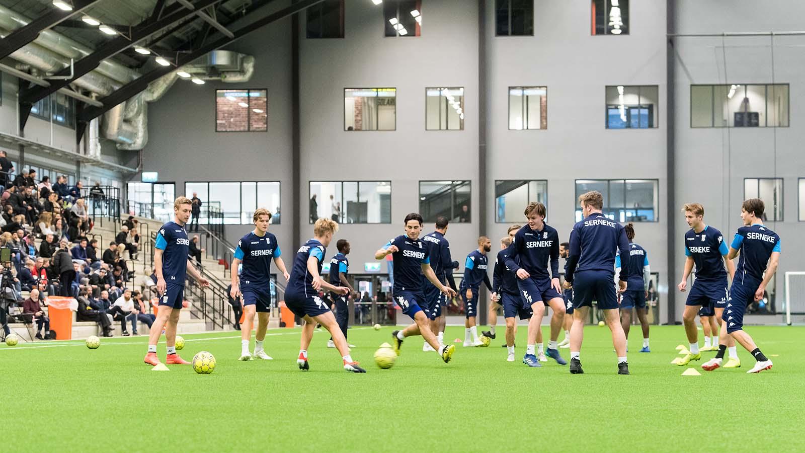 190103 Laget kör övningar under en träning med IFK Göteborg den 3 januari 2019 i Göteborg. Foto: Daniel Stiller / Bildbyrån / kod DS / 59291