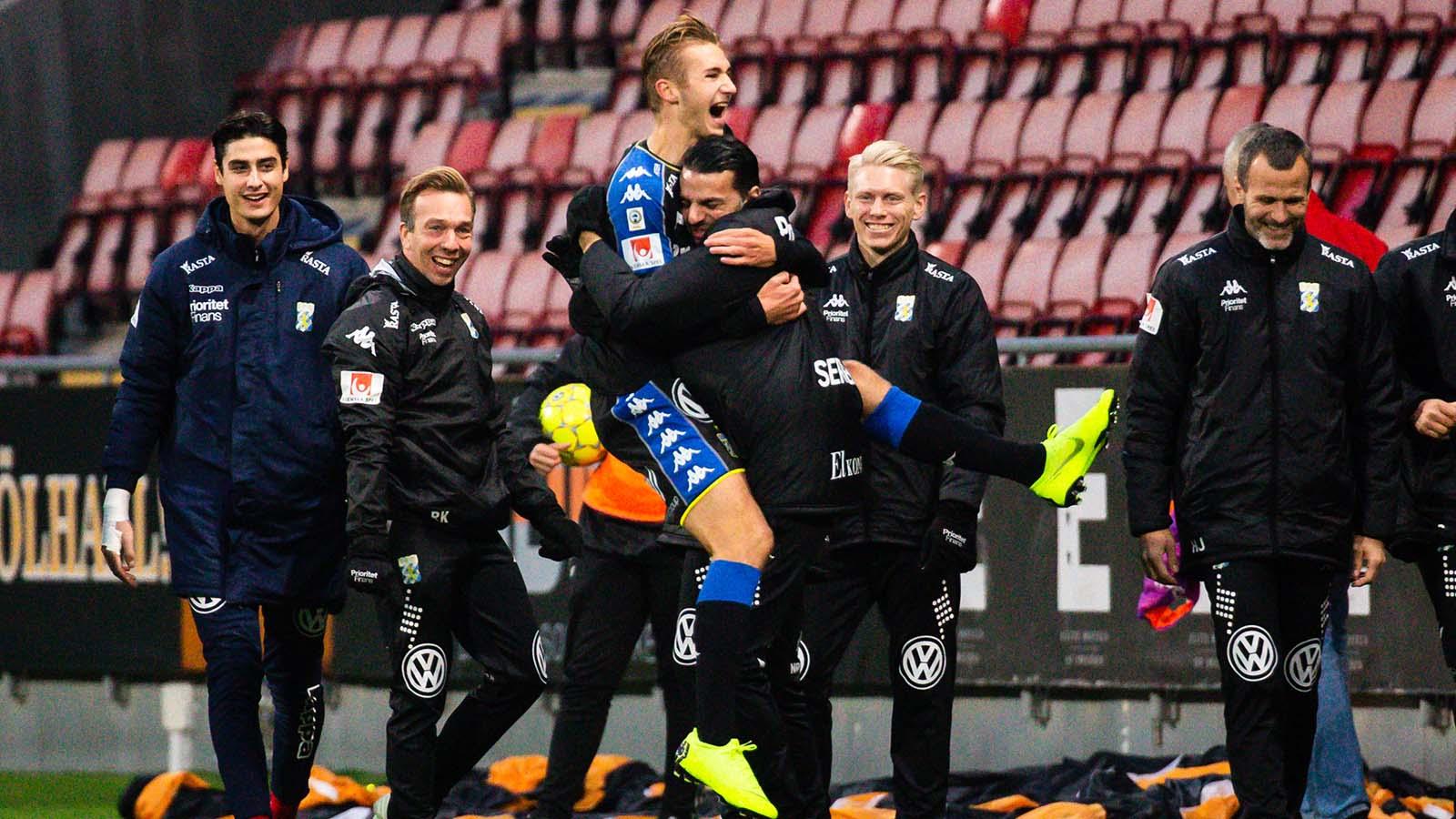 181111 IFK Göteborgs Benjamin Nygren jublar efter 0-1 under fotbollsmatchen i Allsvenskan mellan Örebro och Göteborg den 11 november 2018 i Örebro. Foto: Johan Bernström / BILDBYRÅN / COP 119